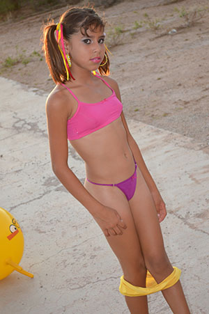 enjoy the extreme beauty and talent of 10yo star   hot girls wallpaper